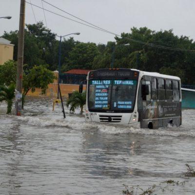 Lluvias intensas y tormentas con relámpagos azotan Cancún