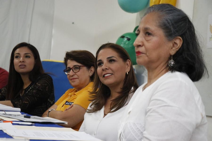 OFRECE MARA 'PISO PAREJO' PARA TODOS: Se reúne candidata con la Asociación de Ayuda a Niños Con Trastornos en el Desarrollo