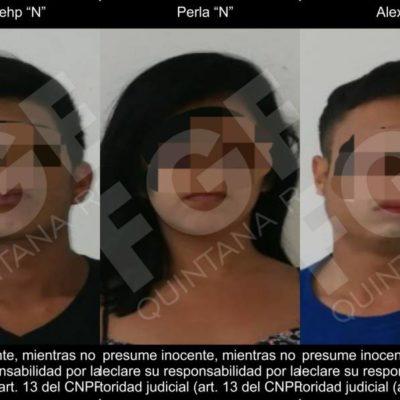 Narcomenudeo, municiones y el uso de un automóvil robado con violencia, pruebas de investigación de Fiscalía en contra de tres detenidos