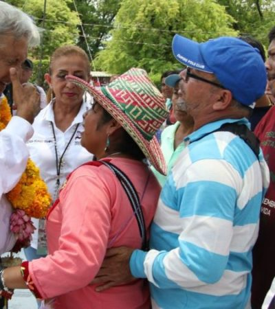 AMLO ofrece a padres de los 43 desaparecidos de Ayotzinapa que habrá justicia y que integrará una comisión de la verdad para resolver el caso