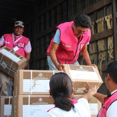 Llega material electoral a sede del INE en Solidaridad; líquido indeleble, boletas y actas, serán custodiadas por el Ejército Mexicano y Marina