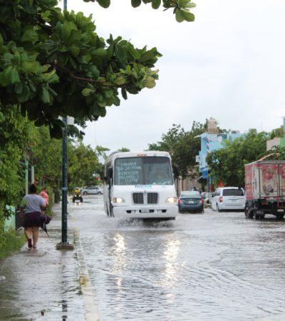 Se registran encharcamientos en Playa del Carmen debido a fuertes lluvias, aunque prevén que altas temperaturas sigan afectando en los próximos días