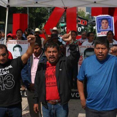 Exigen a PGR aceptar derrota por verdad histórica de Ayotzinapa y permitir ya una Comisión de la Verdad