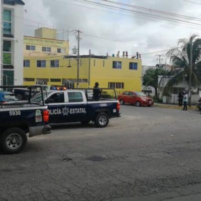 Hieren a un hombre con arma de fuego a pasos del INE en Cancún