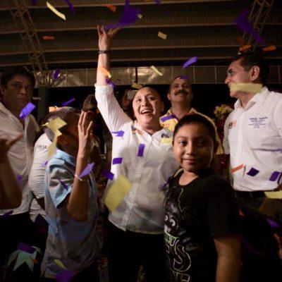 Recibe Cristina Torres apoyo de cientos en caravana por calles de Playa del Carmen