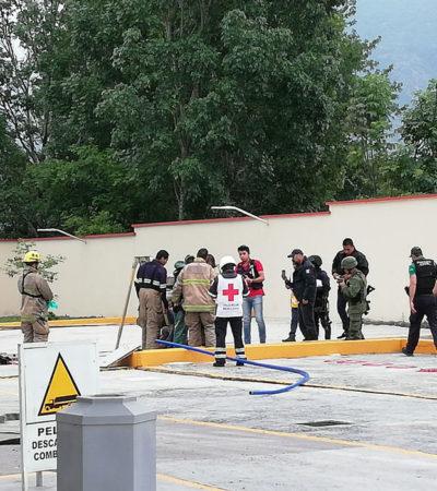 Pierden la vida dos trabajadores por inhalación de gases; limpiaban cisterna de gasolina en Veracruz