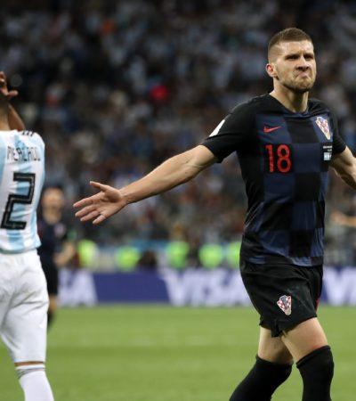 RUSIA 2018   AL BORDE DE LA ELIMINACIÓN CON TODO Y MESSI: Máquina croata aplasta 3-0 a Argentina; Dinamarca y Australia dividen puntos, Francia despide a Perú