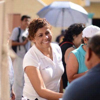Leslie Hendricks se compromete con Playa del Carmen a destinar presupuesto para combatir la llegada de sargazo y dotar un sistema integral de drenaje