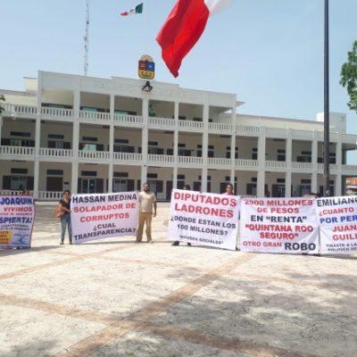 Realiza 'Somos tus Ojos' manifestación en el Congreso y el Palacio de Gobierno