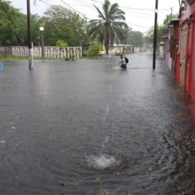 Llueve apenas una hora y Villahermosa sufre severos encharcamientos