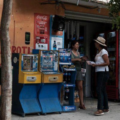 Recorre Marybel Villegas el fraccionamiento Villas del Mar y ofrece trabajar contra la violencia y la inseguridad
