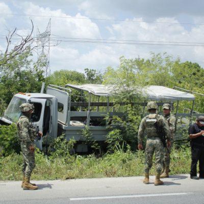 Evita marino colisión y pierde el control de su unidad en la vía Mérida-Valladolid