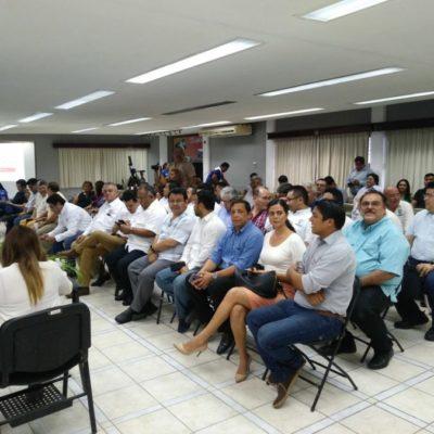 Y en este foro, sin rivales, el solitario candidato Manuel Valencia Cardín