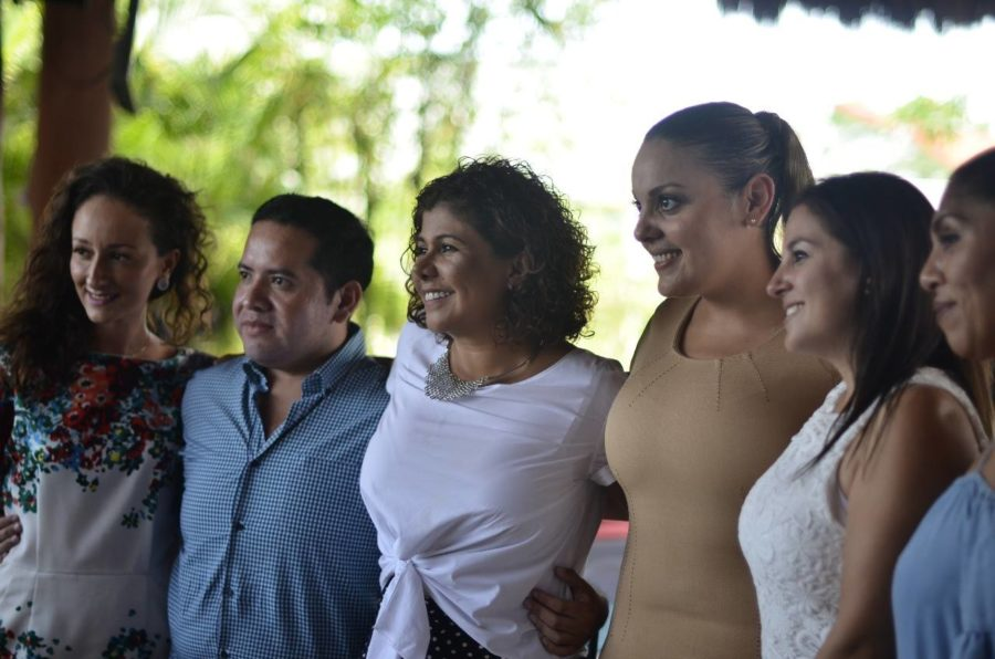 Mujeres de Playa del Carmen apoyan candidatura de Leslie Hendricks