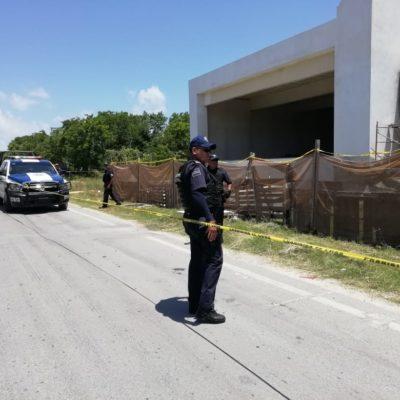 Hallan cadáver en edificio en obra negra en el Arco Vial de Playa del Carmen