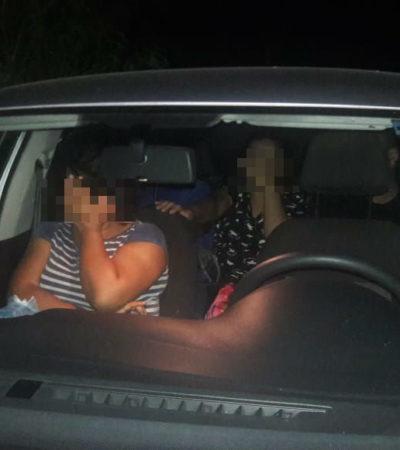 Detienen caravana de autos y descubren a 15 guatemaltecos ilegales en Tabasco