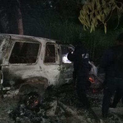Chocan a patrulla y provocan muerte a un policía; incendian su vehículo para no dejar rastro