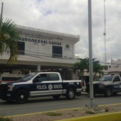 RESGUARDAN POLICÍAS EDIFICIO DE LOS 'TIBURONES': Intentan taxistas tomar sede sindical en Tulum