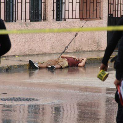 MATAN A BALAZOS A UN JOVEN EN LA REGIÓN 99: Continúa la ola de violencia en Cancún; cuerpo queda en plena vía pública
