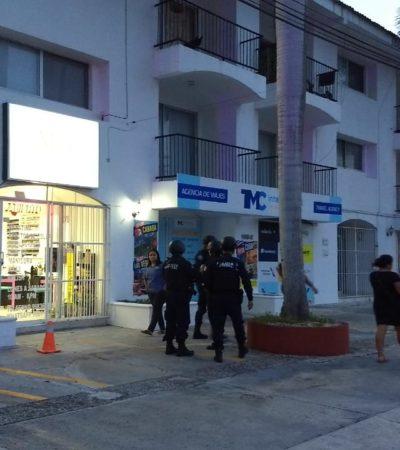 Movilización policiaca por reporte de supuestos disparos en SM 20 que resultó falsa alarma