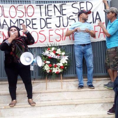 RECLAMAN TÍTULOS DE PROPIEDAD: Protestan vecinos de la colonia Colosio de Playa contra la Desarrolladora de la Riviera Maya