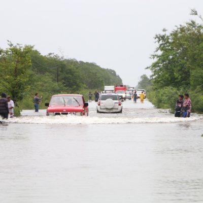CORTE PARCIAL EN LA CARRETERA CHETUMAL-CANCÚN POR LLUVIAS: Cierran un tramo de la vía entre Tulum y Carrillo Puerto por inundación; Gobierno lanza advertencia a automovilistas para tomar ruta alterna