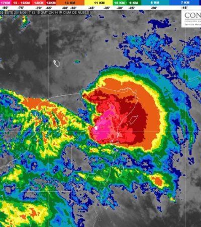 Siguen en domingo las fuertes lluvias sobre Quintana Roo