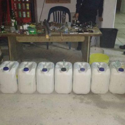 Aseguran 140 litros de tepache, marihuana y otros artículos prohibidos en operativo en la cárcel de Cancún