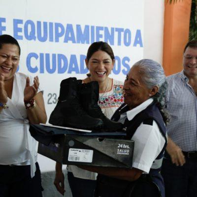 Entrega Ayuntamiento de Solidaridad equipamiento a vigilantes ciudadanos
