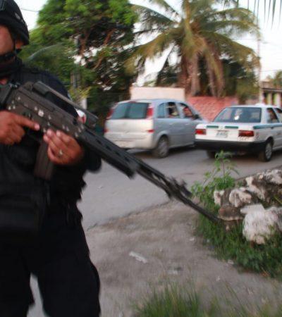 """""""CREES QUE ME VAS HACER LO MISMO QUE AL SOMBRA"""": Amenaza policía armado a reportero de Noticaribe en Cancún por tomar fotos tras un asalto"""