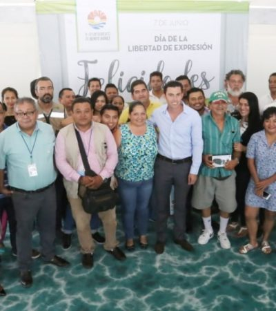 Celebra Remberto Estrada a los periodistas y a la libertad de expresión