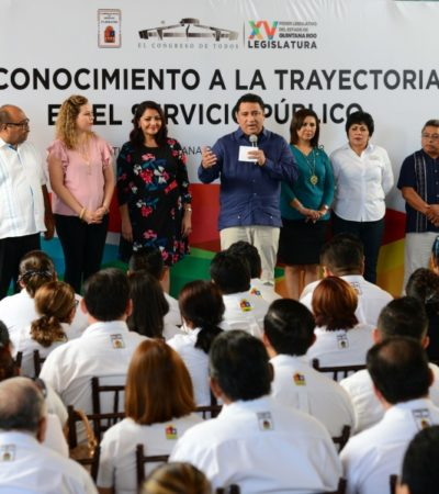 ENTREGAN RECONOCIMIENTOS A TRABAJADORES: La XV Legislatura respeta ideología y libertades políticas del personal del Congreso, asegura Martínez Arcila