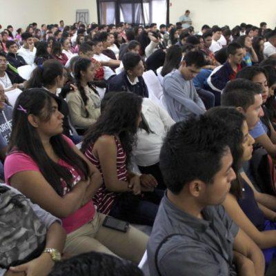Jóvenes de zonas rurales pueden cursar sus estudios sin contratiempo gracias al Instituto Quintanarroense de la Juventud