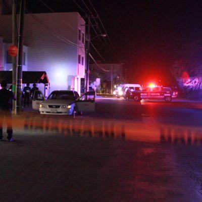 Darían de baja a taxista baleado anoche en Cancún por sus presuntos vínculos con la venta de droga