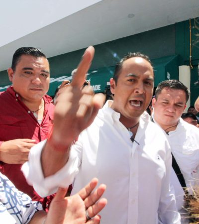 Rompeolas: Juan Carrillo para Fiscal
