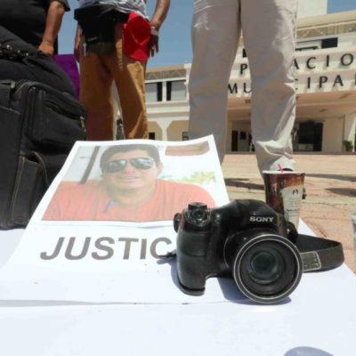 Protestan periodistas de Playa del Carmen por colega asesinado en FCP
