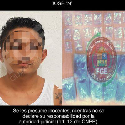 Detienen con droga a un hombre en la colonia Colosio de Playa del Carmen