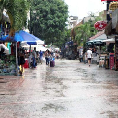 Lluvias en Playa del Carmen dejan encharcamientos y cierre de puerto a embarcaciones menores