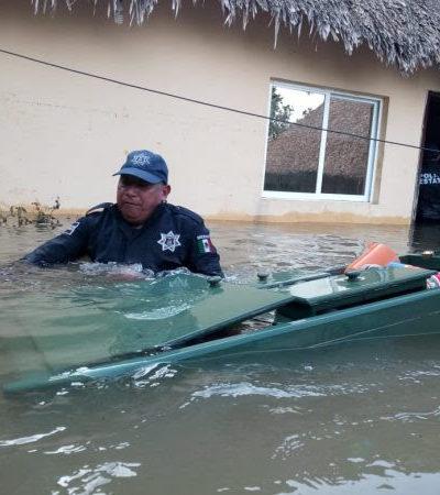 Elementos de la SEDENA y policía municipal, apoyan a familias afectadas de Chumpón