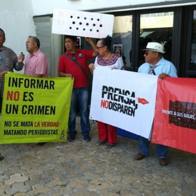 Frente al Congreso de QR, periodistas exigen esclarecimiento del homicidio de reportero José Guadalupe Chan en Felipe Carrillo Puerto