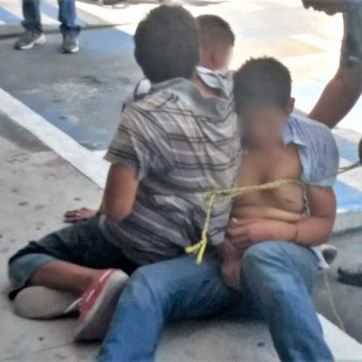 VECINOS INDIGNADOS: Amarran y golpean a ladronzuelos antes de entregarlos a la policía