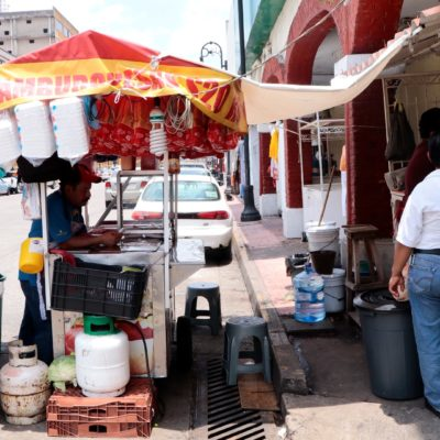 Migran 150 ambulantes a Mérida y Playa del Carmen por bajas ventas en Villahermosa