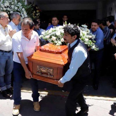 Pide UE a López Obrador investigar asesinatos de candidatos
