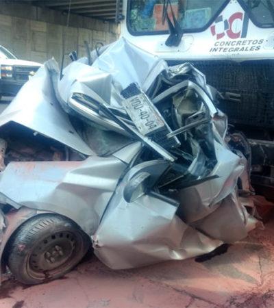Causa perturbación en redes foto de auto 'comprimido' en accidente vial ocurrido en San Luis Potosí