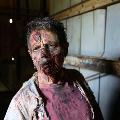Abuela cumple su sueño: ser zombie en 'The Walking Dead'; pasó de fan a tener apariciones regulares en la serie