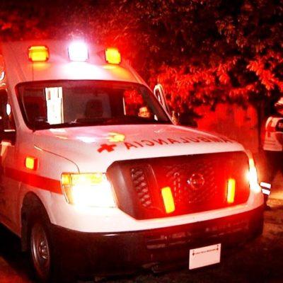 Provoca aparatosa movilización de paramédicos y policías luego de resbalar y doblarse una muñeca
