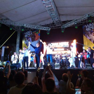 """Con un baile, José Esquivel se aferra a sus votos en FCP y dice que """"nadie nos va a quitar este triunfo del pueblo"""""""