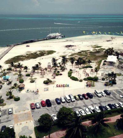 """""""NO SE ESTÁ PRIVATIZANDO PLAYA LANGOSTA"""": Niegan otorgamiento de más espacio a empresa 'Float Fun' en balneario de Cancún"""
