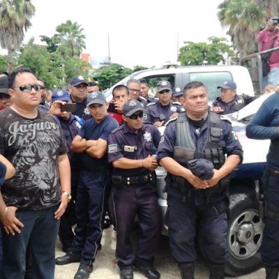 Renuncia jefe policiaco en Cozumel; policías siguen en paro