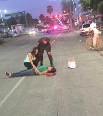PEOR EL REMEDIO: Jóvenes hermanas se lanzan de autobús sin frenos y resultan lesionadas